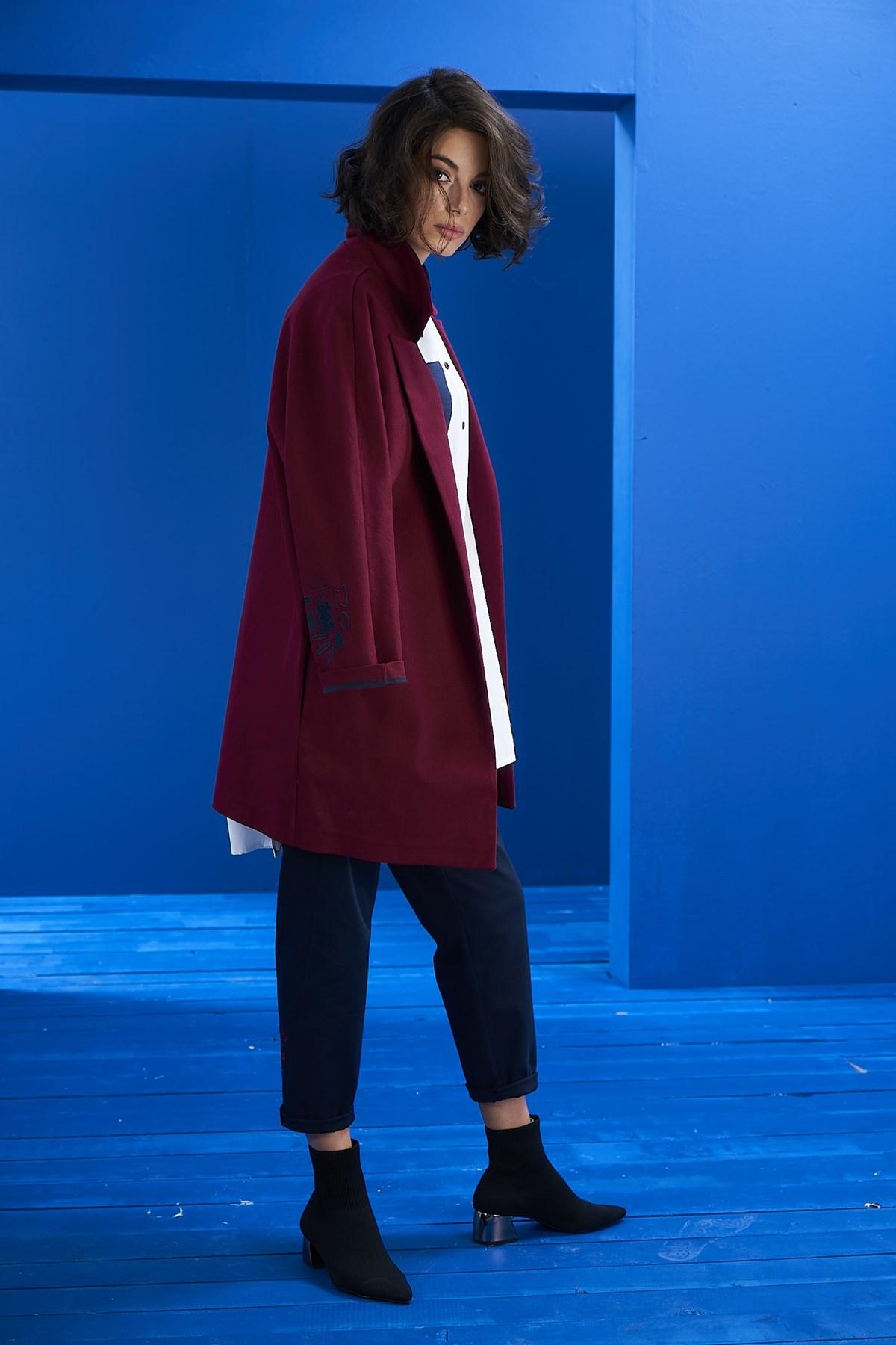 - Bordo Nakış Detay Blazer Ceket