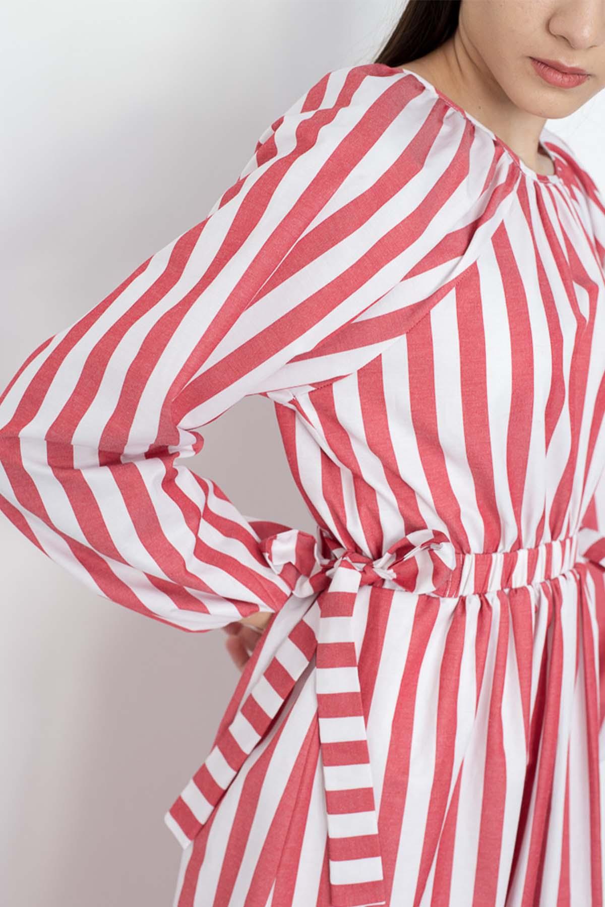 Mevra - Çizgili Kuşaklı Elbise Kırmızı