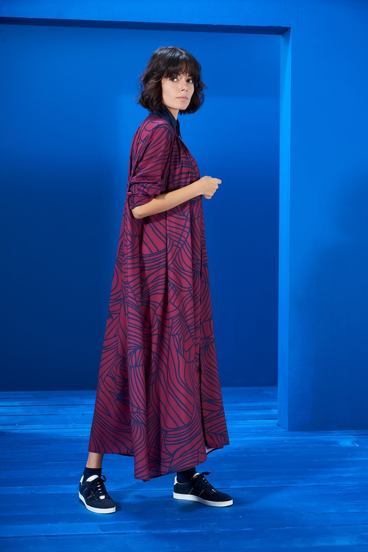 Mevra - Yaka Detay Elbise Desenli Vişne-Laci