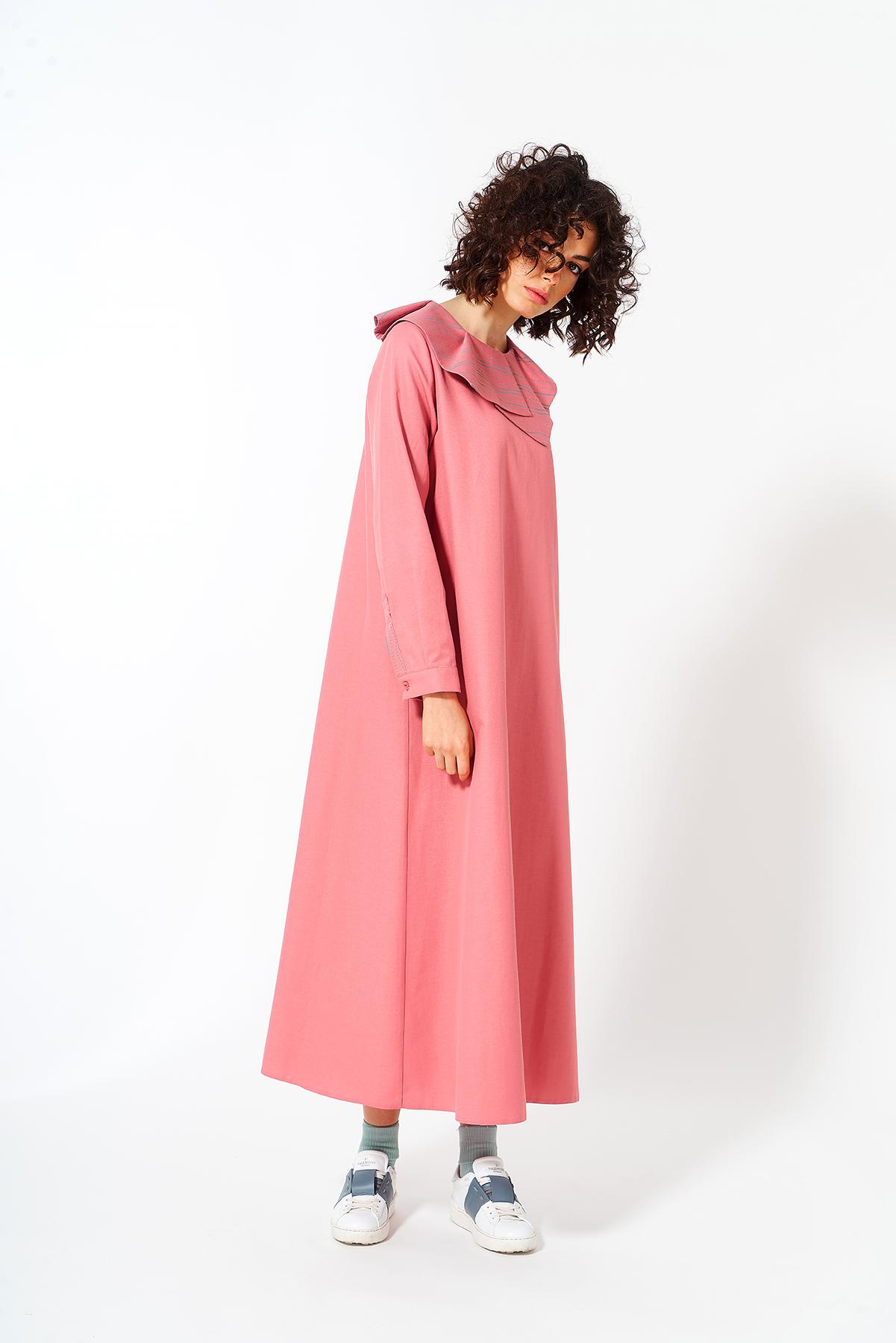 Mevra - Yaka Detay Elbise Pudra